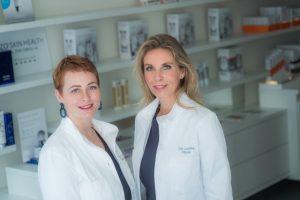 Gitte Boumeester en Ludy Holst voor behandeling rimpels ogen