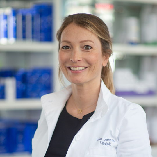 Plastisch chirurg, Dr. Lisette Hoekstra